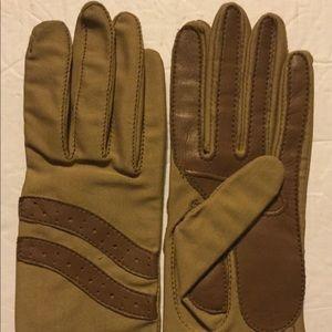 Sheer Energy Leggs Nylon One-Size Driving Gloves
